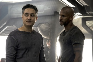 "The 100 -- ""Terms and Conditions"" -- Image HU308a_0009 -- Pictured (L-R): Alessandro Juliani as Sinclair and Ricky Whittle as Lincoln -- Credit: Katie Yu/The CW -- © 2016 The CW Network, LLC. All Rights Reserved"