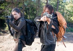 top-4-hot-damn-moments-from-the-walking-dead-episode-14-twice-as-far-899413